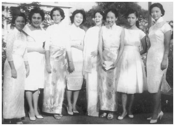 1961 Graduating Class (Girls)